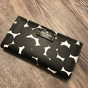 NWT ♠️KATE SPADE♠️ Black and White Wallet